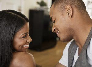 couple-flirting-1